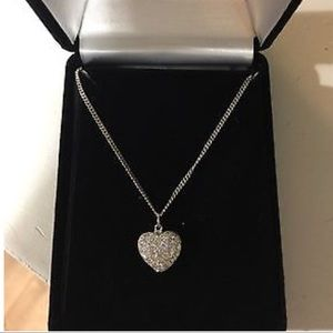 Jewelry - 14k solid white gold diamond heart necklace